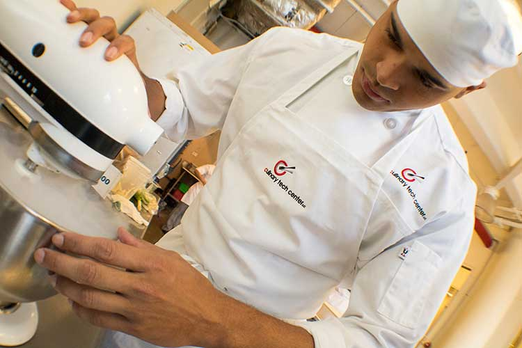 comparison between 4 year culinary course Course sequence - bachelor of the arts in culinary arts you will benefit from a comprehensive curriculum that combines career-specific courses with a strong academic framework.